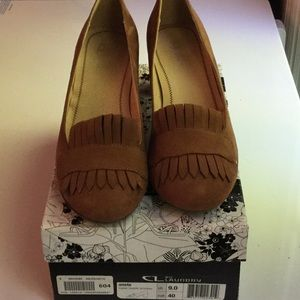 CL by Laundry. Brown size 9 women's 1 inch heel